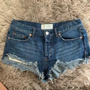 FREE PEOPLE shortie denim shorts, size 26